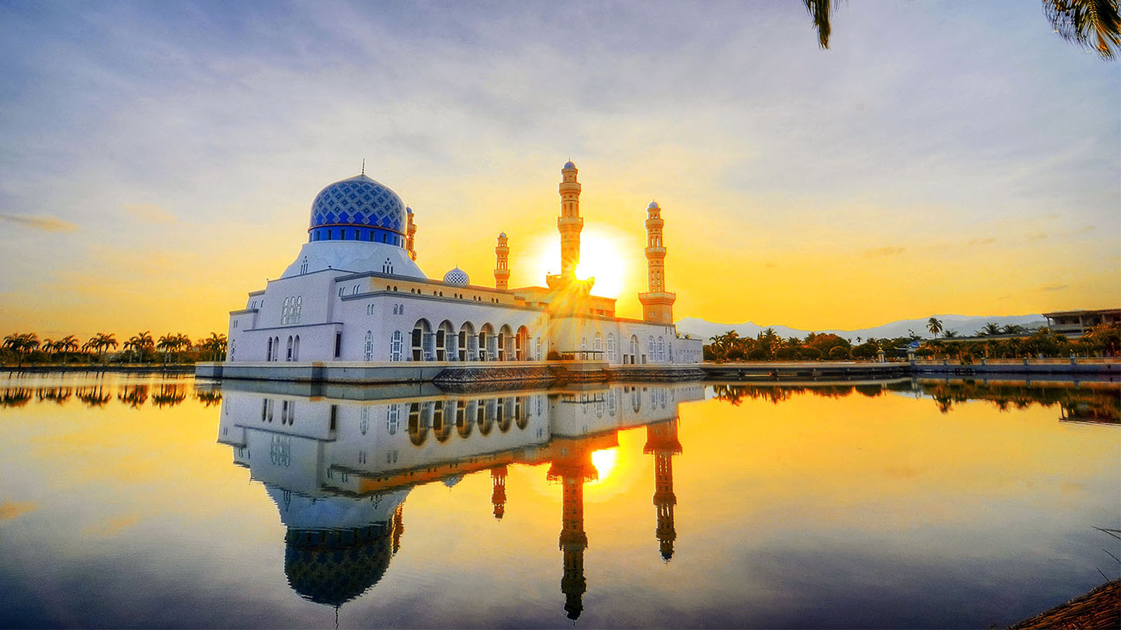 Bandaraya Mosque during sunset